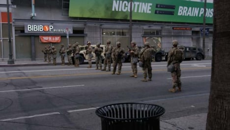 Hollywood-Front-Pan-Military-Soldiers-Block-Street